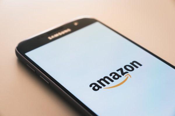 La technologie sans caisse d'Amazon Go se développe pour agrandir les surfaces